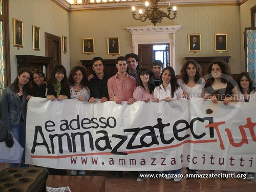 Aldo Pecora e Rosanna Scopelliti con i ragazzi di Catanzaro